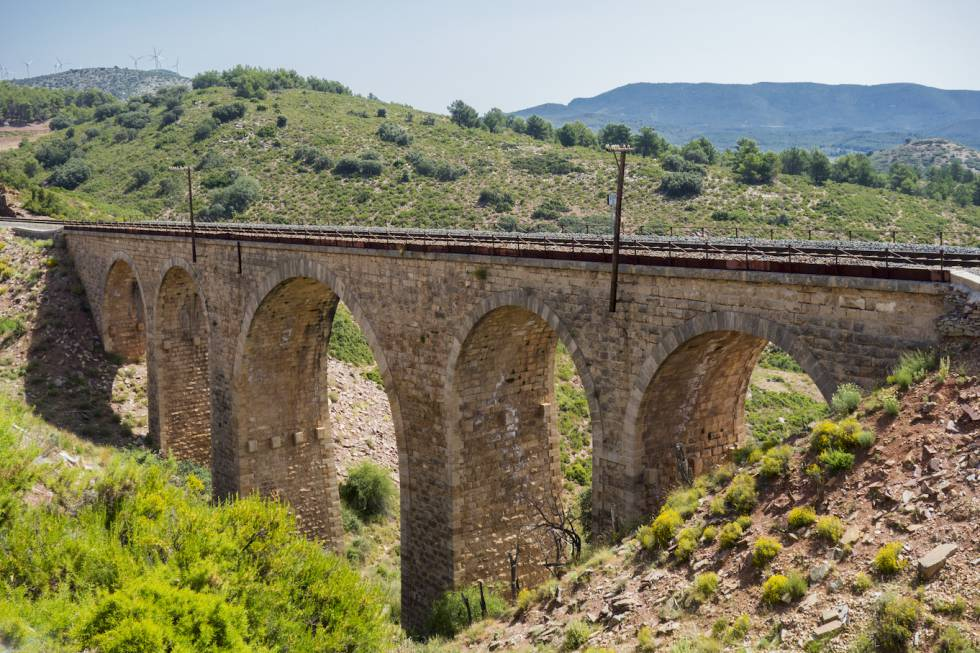 Cinco rutas en bicicleta por España y Portugal para una primavera espléndida