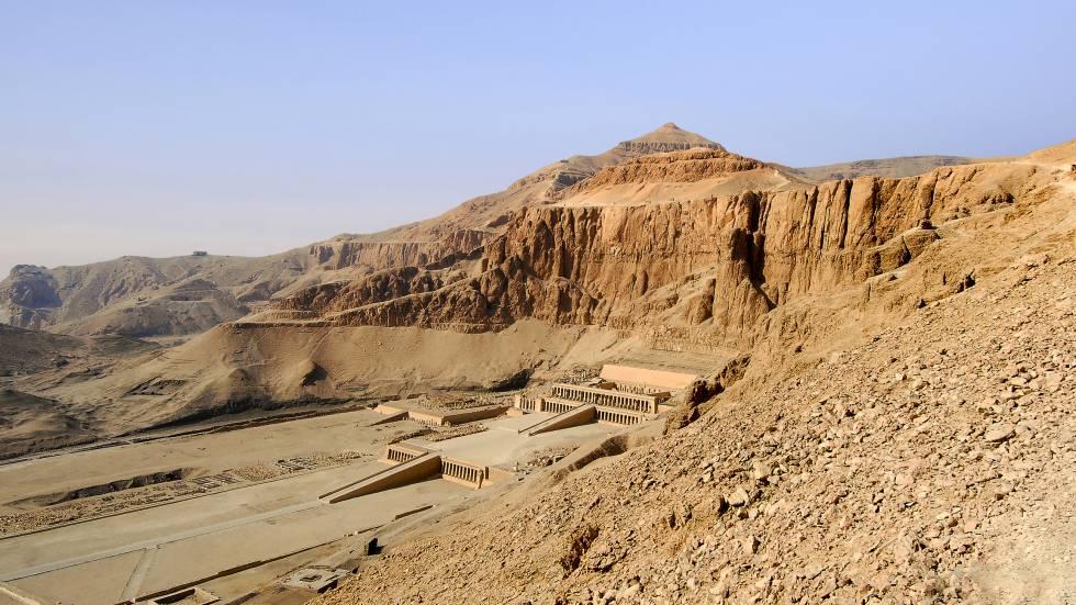 Templo funerario de la reina Hatshepsut en Deir el-Bahari, cerca de Luxor.