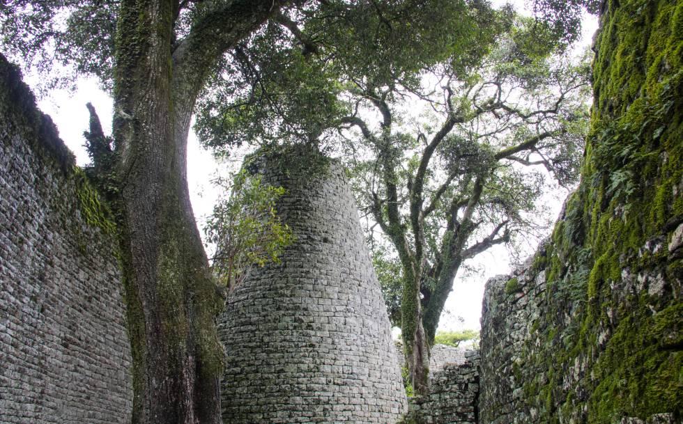 Ruinas de Great Zimbabwe, la mayor ciudad medieval del África subsahariana.