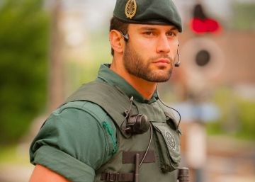 El 'guapo de la Guardia Civil'