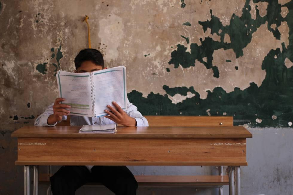Dejan los estudios por pobreza