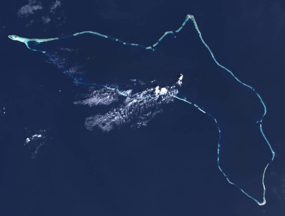 Imagem do atol de Kwajalein feita do espaço pelo Landsat 7.
