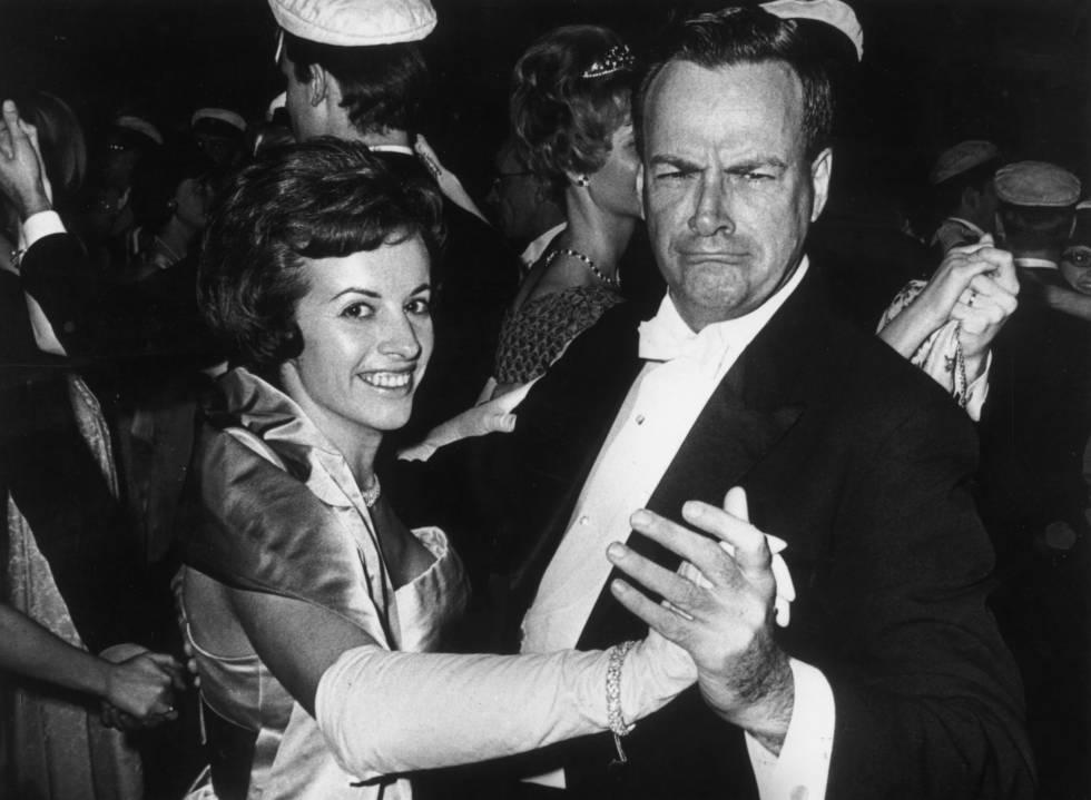 Feynman baila con su esposa, Gweneth, en la ceremonia de los Nobel en Estocolmo, en 1965.