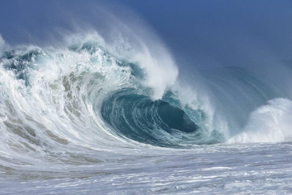 Una ola en el Océano Pacífico.