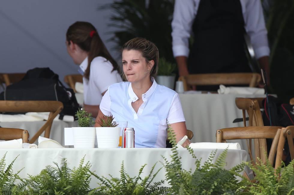 Athina Onassis em um concurso hípico em Miami no dia 6 de abril.