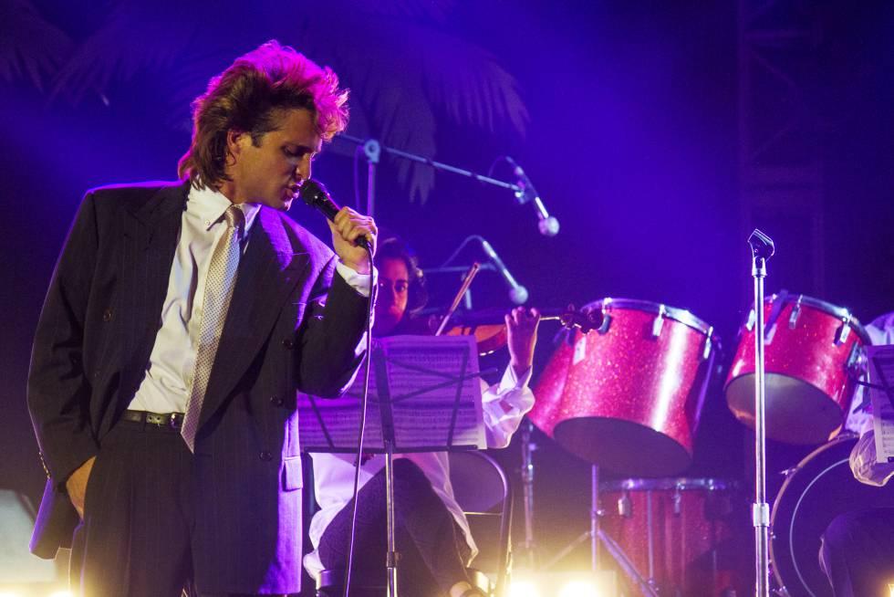 Diego Boneta interpreta a Luis Miguel en la serie.