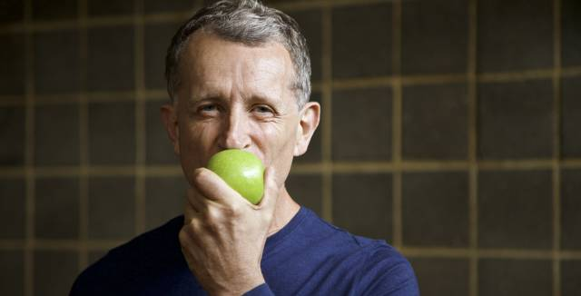 Eating fruit can reduce the risk of prostate cancer.