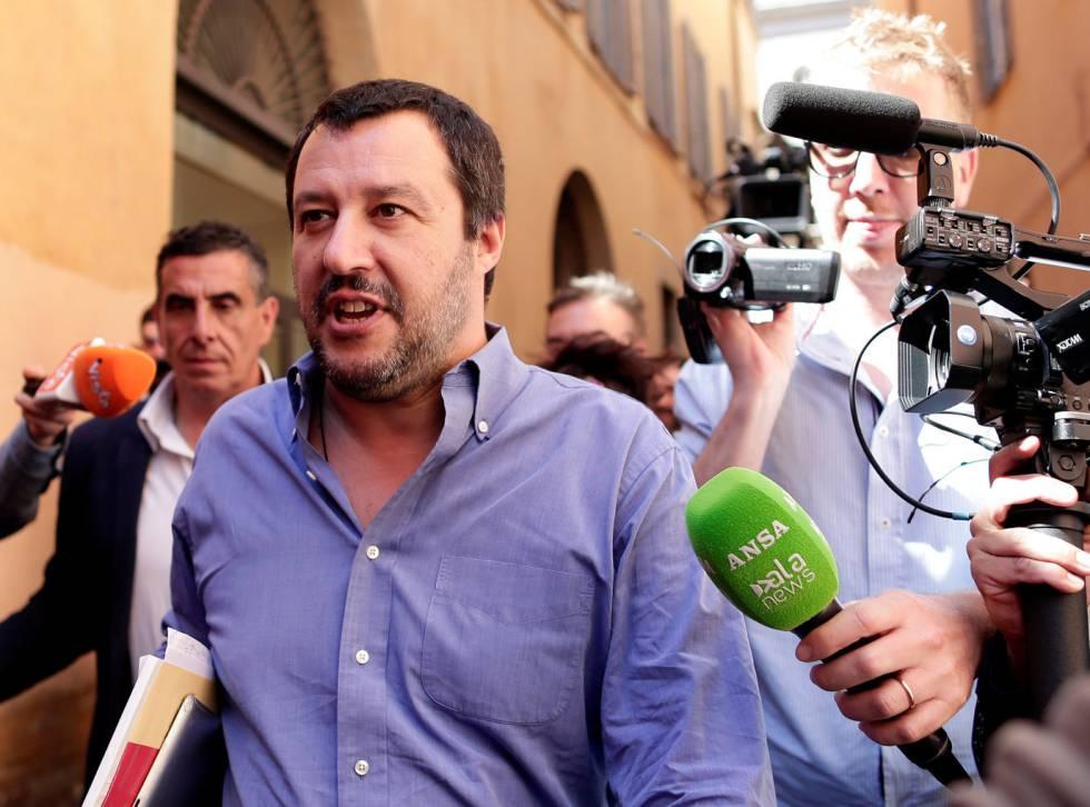 El líder de La Liga, Matteo Salvini, ayer a su llegada al parlamento.
