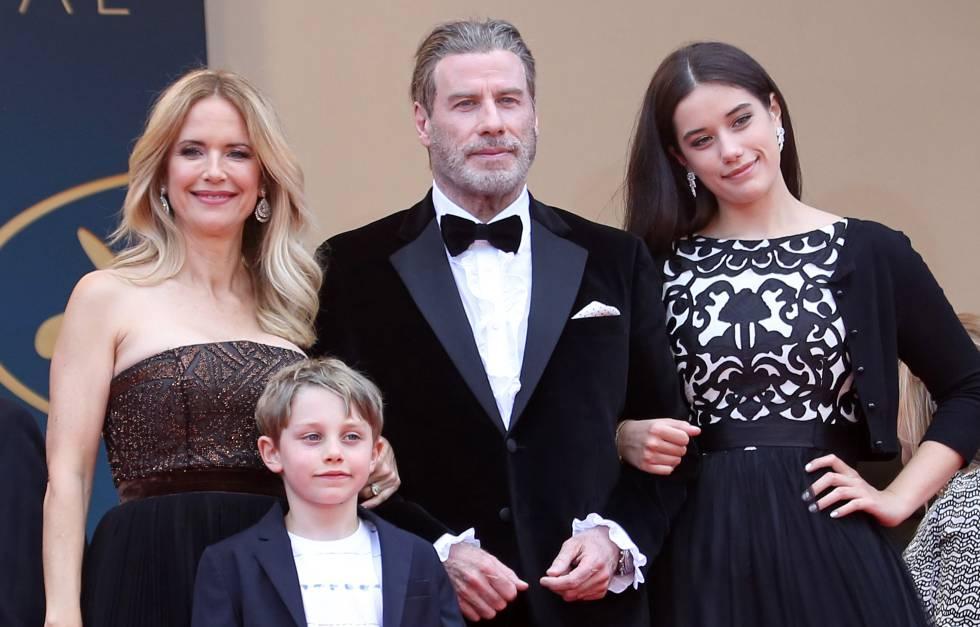 Los Travolta con sus hijos Elle y Benjamin.