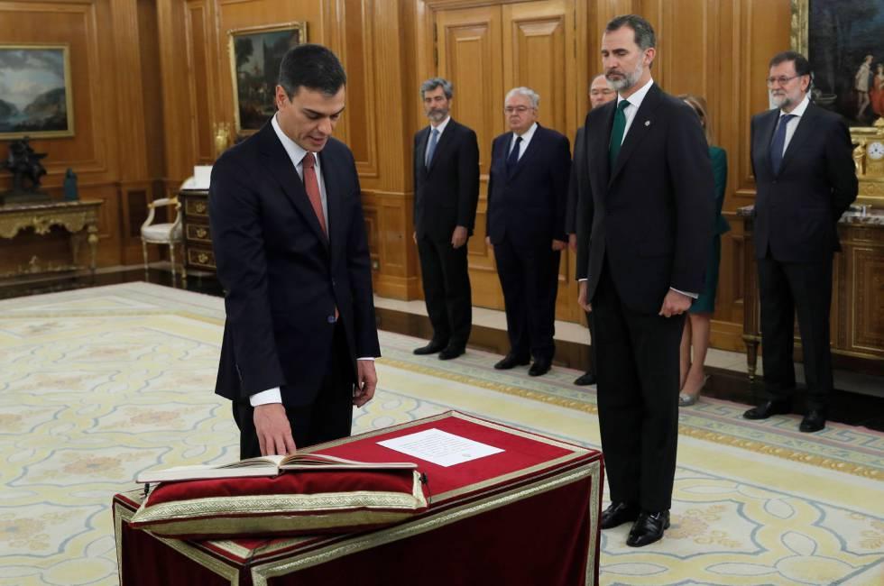 Pedro Sanchez Takes Office As Prime Minister His Predecessor Mariano Rajoy R