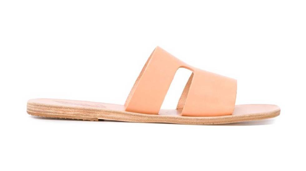 d9eeba90e70 La era de las sandalias cómodas  12 tendencias para llevar este verano