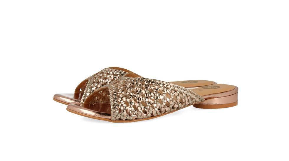 ad086fc443f La era de las sandalias cómodas  12 tendencias para llevar este verano