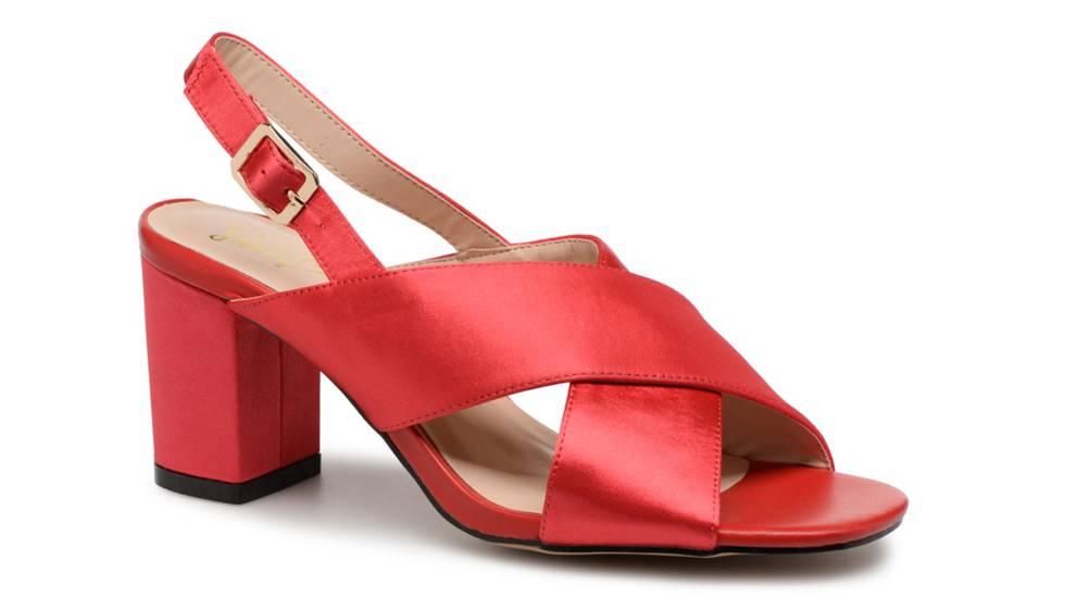 be71166b7fd La era de las sandalias cómodas  12 tendencias para llevar este verano