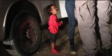 La imagen original de la niña hondureña, tomada por el premio 'Pulitzer' John Moore.