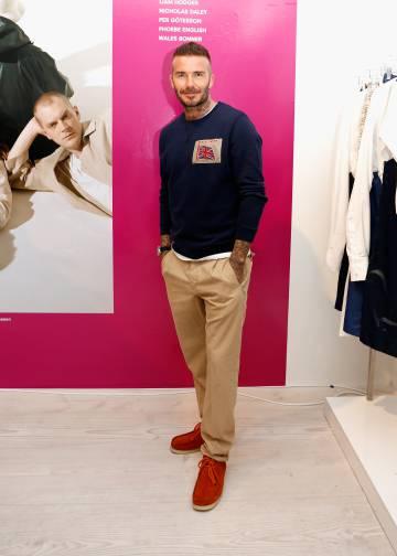 David Beckham con los zapatos que no se va a quitar durante todo el verano.
