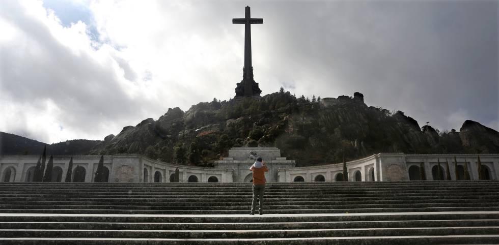 Escalinata de acceso al Valle de los Caídos