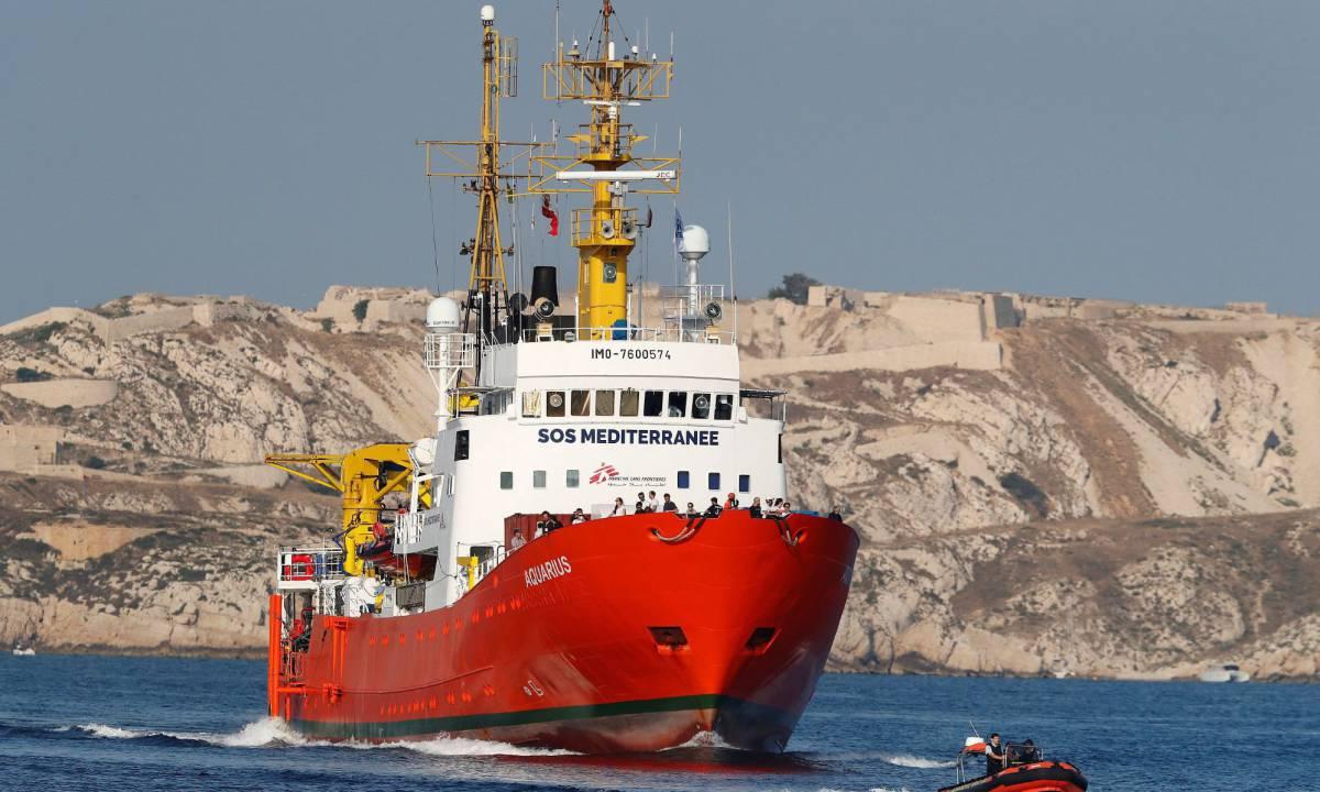 El 'Aquarius' llega al puerto de Marsella, este viernes.