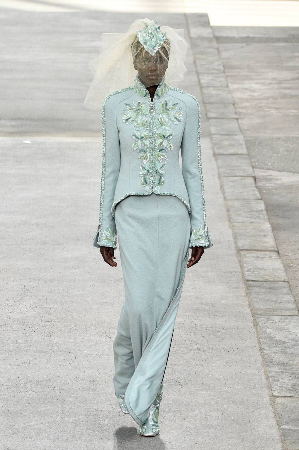 El traje de novia verde de Chanel alta costura.