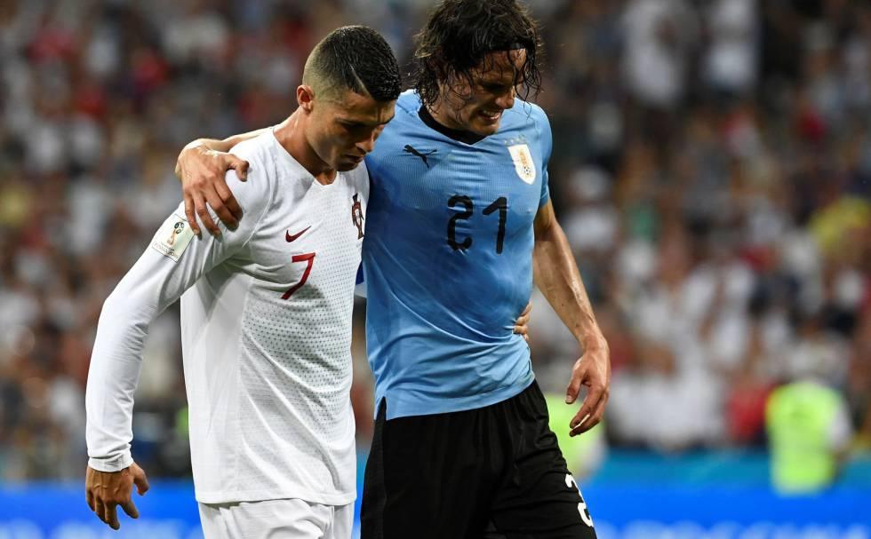e9159045b Cristiano Ronaldo y Edinson Cavani en el partido Uruguay-Portugal celebrado  en Sochi (Rusia