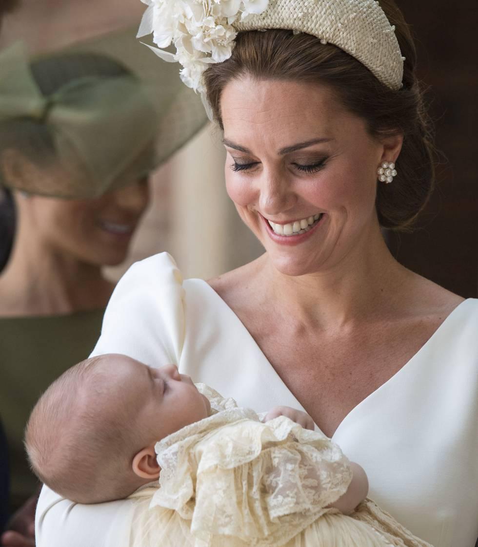 Kate, duquesa de Cambridge, con su hijo Luis.