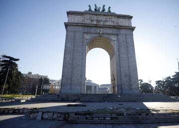 What should Madrid do with its Franco-era victory arch?