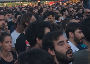 Long lines and traffic jams infuriate music fans at Mad Cool festival