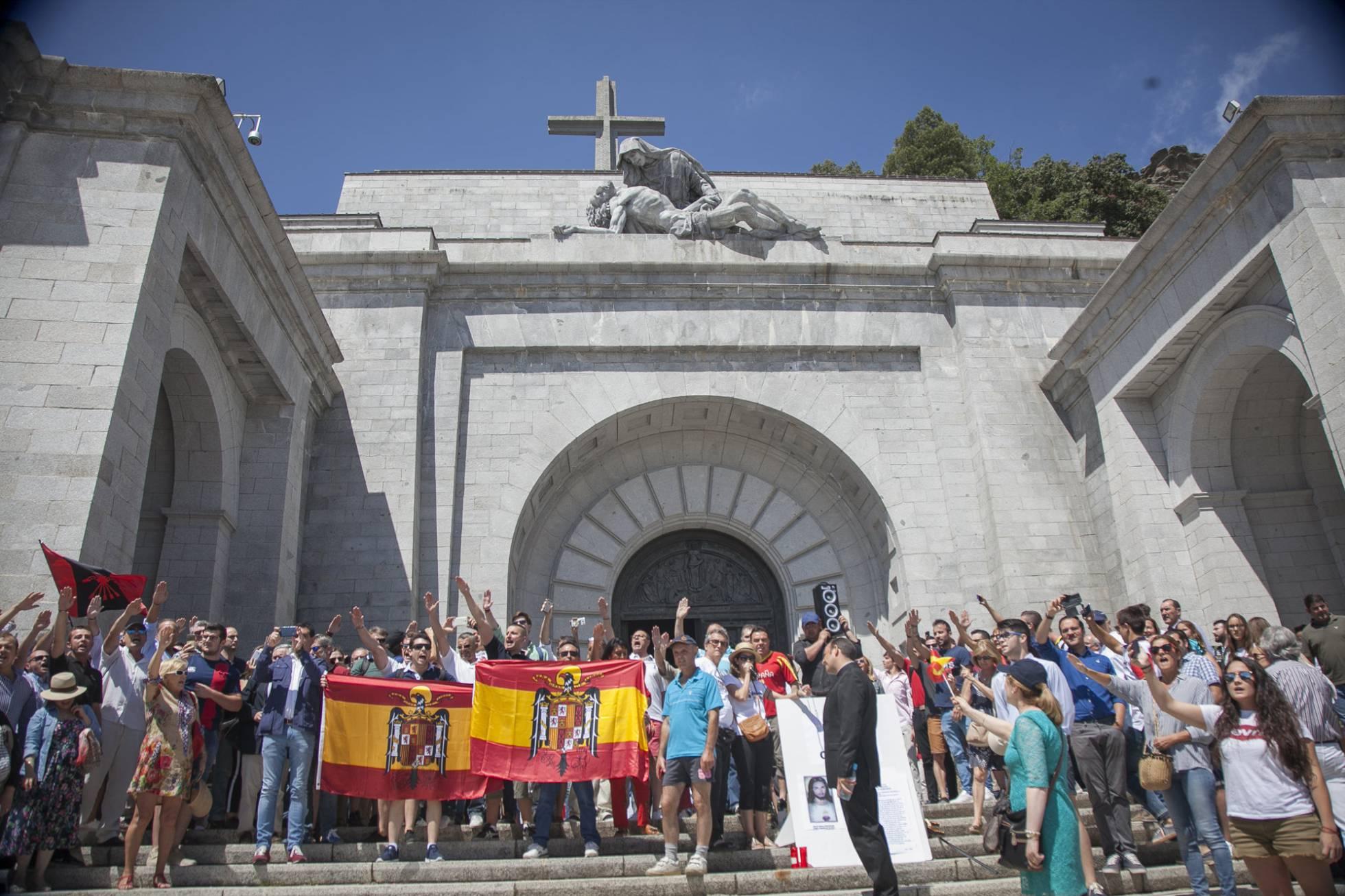El imparable hundimiento del Valle de los Caídos (¡¡¡You Shall Not Pass!!!) - Página 9 1531652957_300595_1531666940_album_normal_recorte1