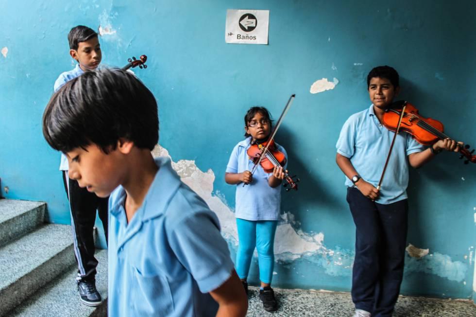 Chicos participantes en 'El Sistema' en Venezuela.