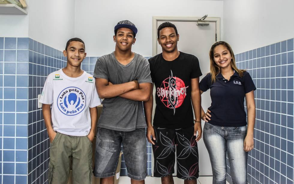 Estudiantes brasileños.