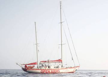Italian interior minister declares war on Spanish NGO rescue ship