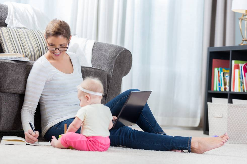Madres que trabajan fuera de casa: entre la culpa y el deseo