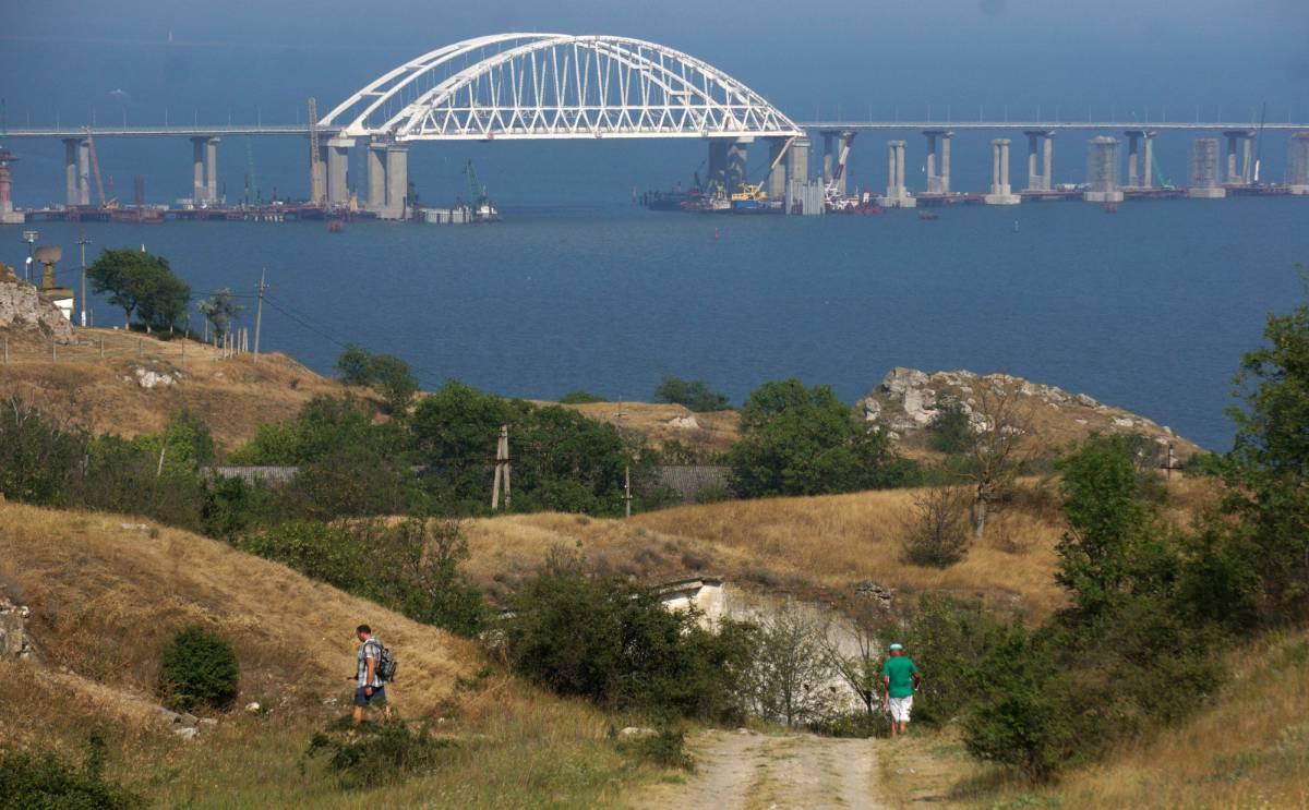 El puente sobre el estrecho de Kerch.
