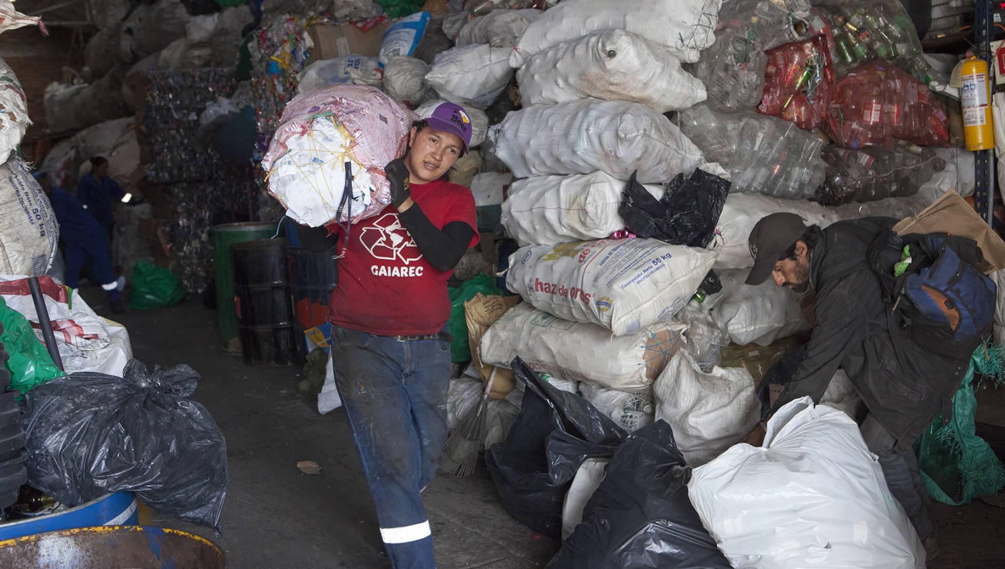 María Marquez empezó como recicladora al lado de su abuela cuando tenía 13 años. JAVIER SULÉ
