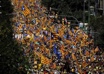 Spanish PM activates Article 155, stripping powers of Catalan government