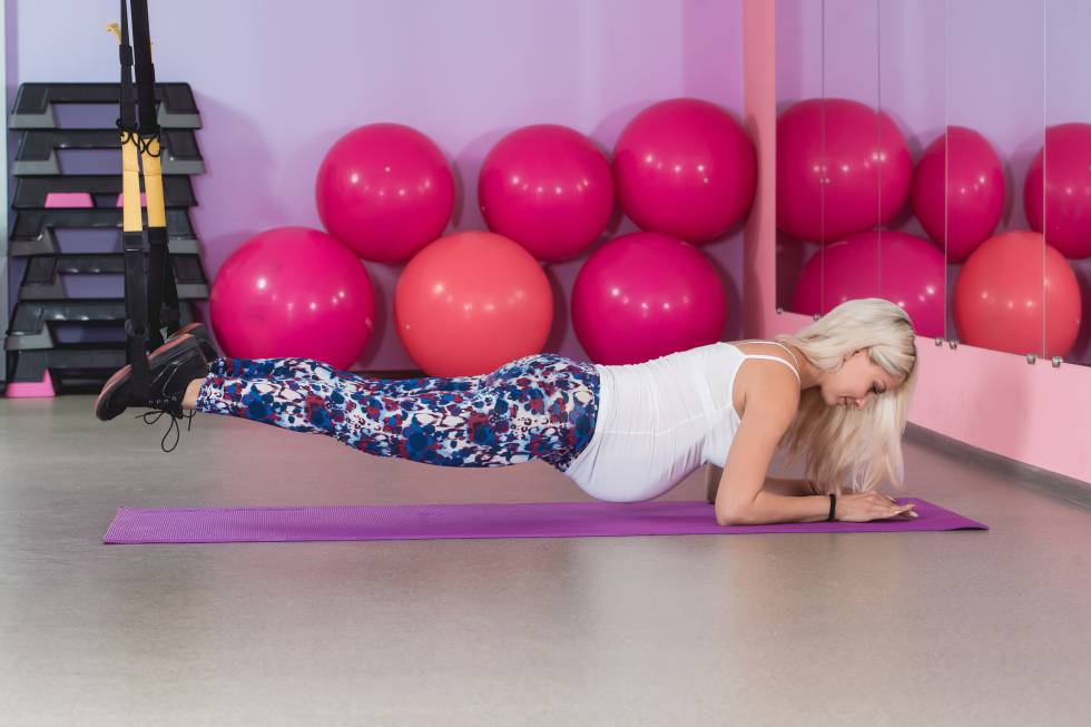 practicar yoga linear unit morada maternity embarazadas