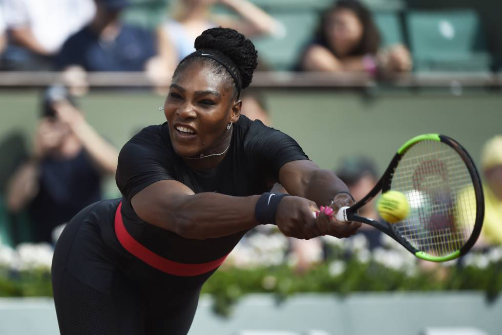 Serena William remata un golpe en el último torneo de Roland Garros.