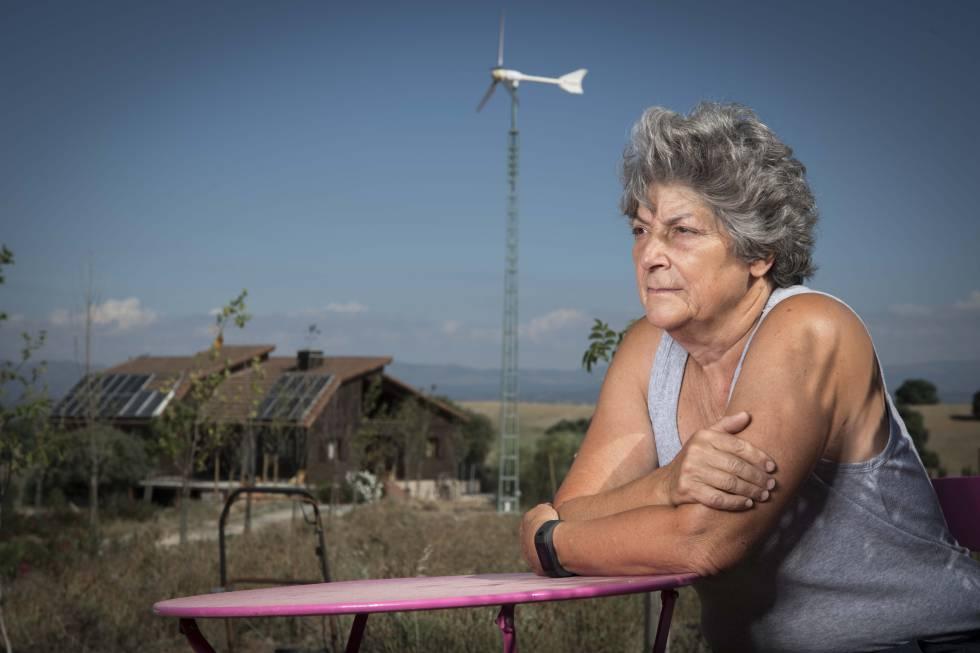 Entrevista a Concha Noguerales, una abuela que no ve a sus nietas en 6 años.rn rn