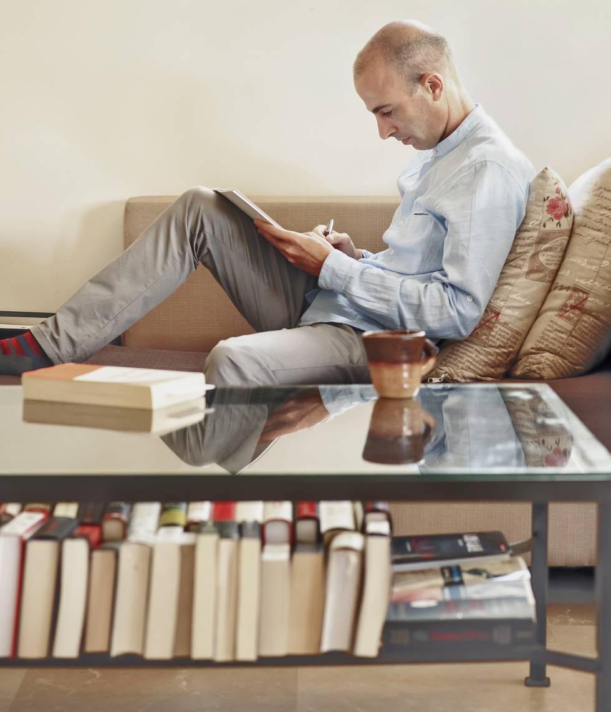 Harari, en un apartamento que utiliza como oficina en Tel Aviv.