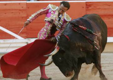 The Running of the Bulls without bullfights? Pamplona mayor says it's possible