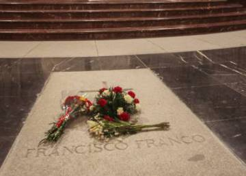 Government to use decree to give legal coverage to plans to exhume Franco's body