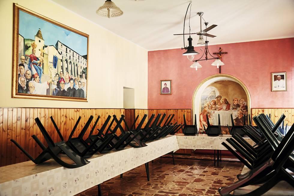 Um dos quartos do santuário da Madonna de Polsi, em um lugar de difícil acesso no Aspromonte.  No recinto sagrado, os capos da 'Ndrangheta' se encontravam em segredo.