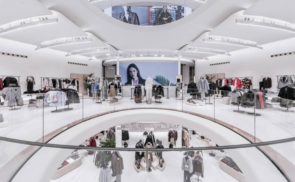 buy popular 249c0 1ef06 La tienda decana de Zara en Italia es ahora, además ...