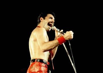 El De Dos Vídeo Freddie Este Mercury Minutos Apenas Mundo Paró En wqaxFRBW