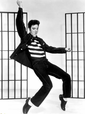O rock, como quase todos os gêneros musicais perduráveis, foi inventado por afro-americanos. Não, não foi inventado por Elvis Presley (na imagem)