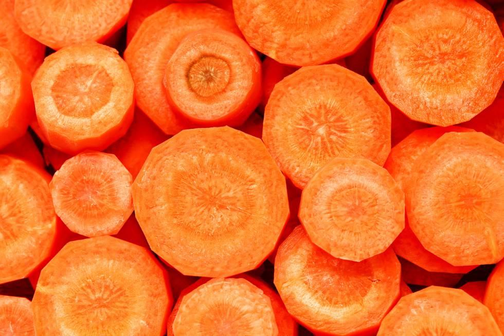 Fotorrelato 7 Cosas Que La Zanahoria Hace Por Su Salud Aparte De Proteger La Vista Buenavida El Pais Por esta razón, en la entrada de hoy os vamos a enseñar cómo se preparan unos ricos batidos de zanahoria de forma rápida y sencilla. 7 cosas que la zanahoria hace por su