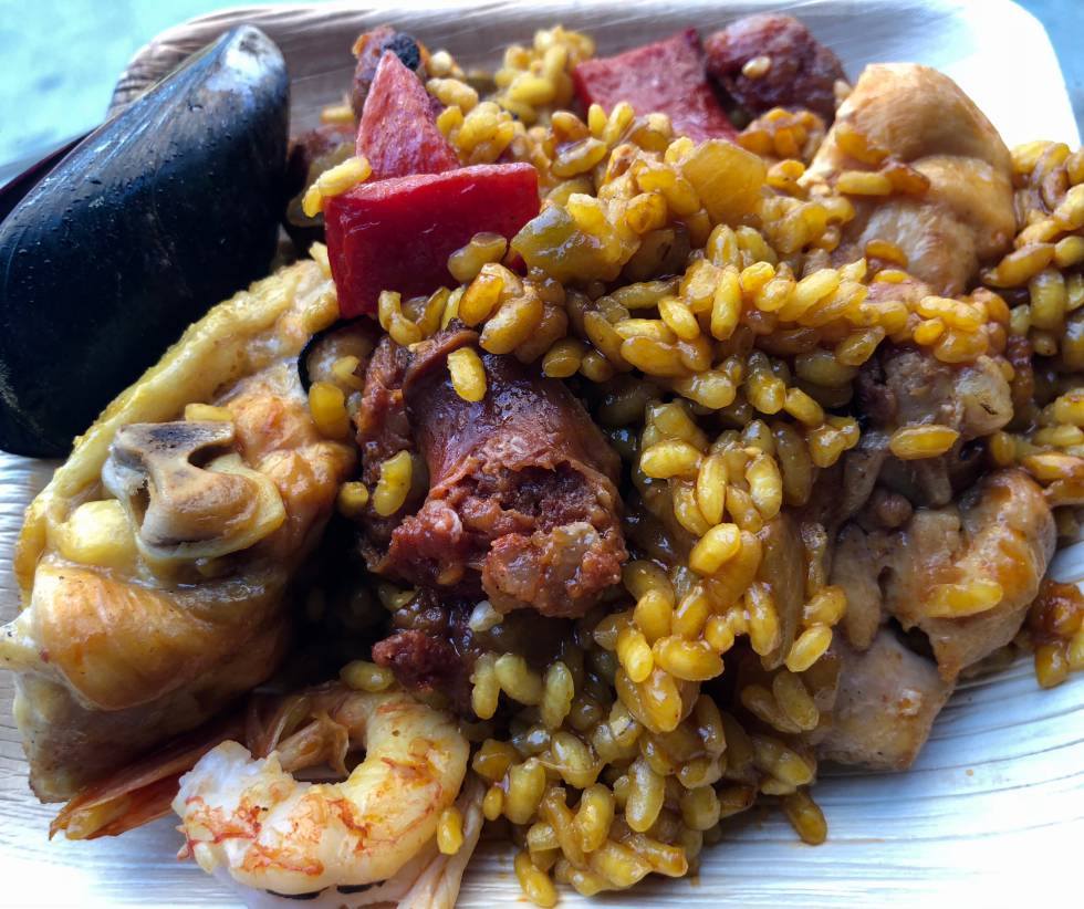 IMPECABLE PUNTO DEL ARROZ DE LA SPANISH PAELLA  CAPEL
