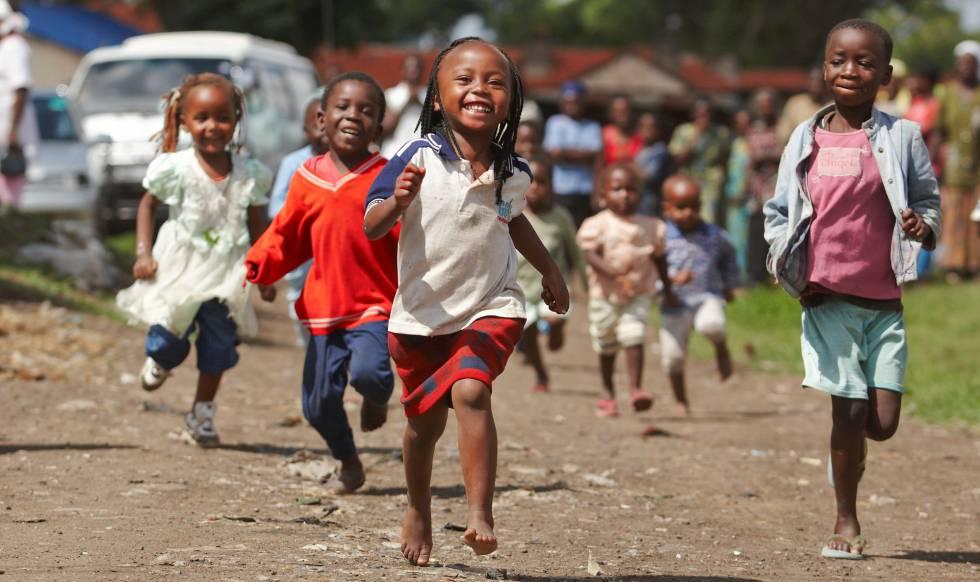 Bill Gates: Invertir en la juventud africana es clave para que el ...