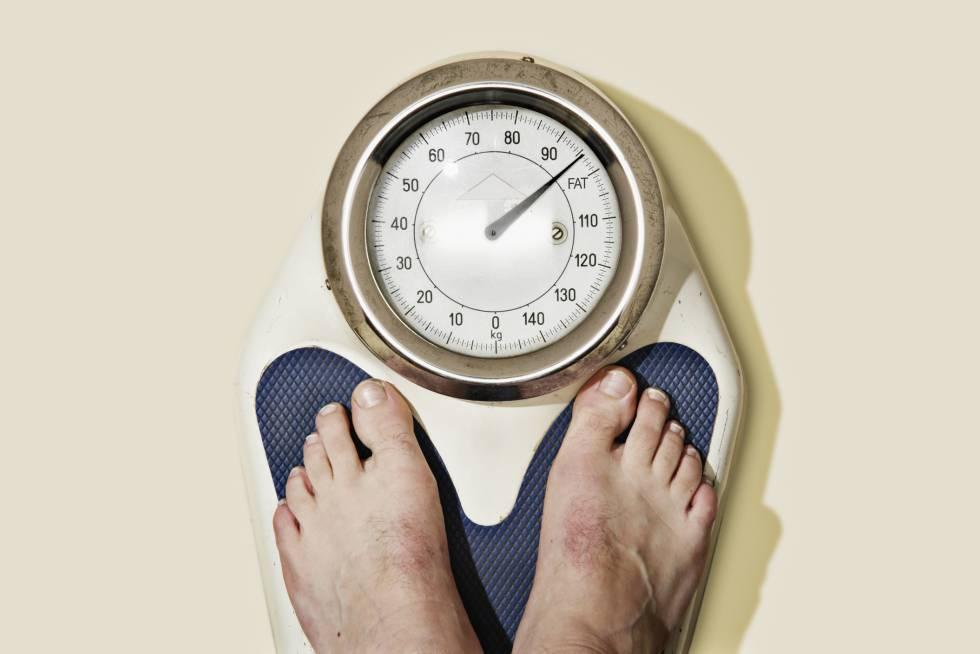 Dejar de comer grasa no le hará adelgazar