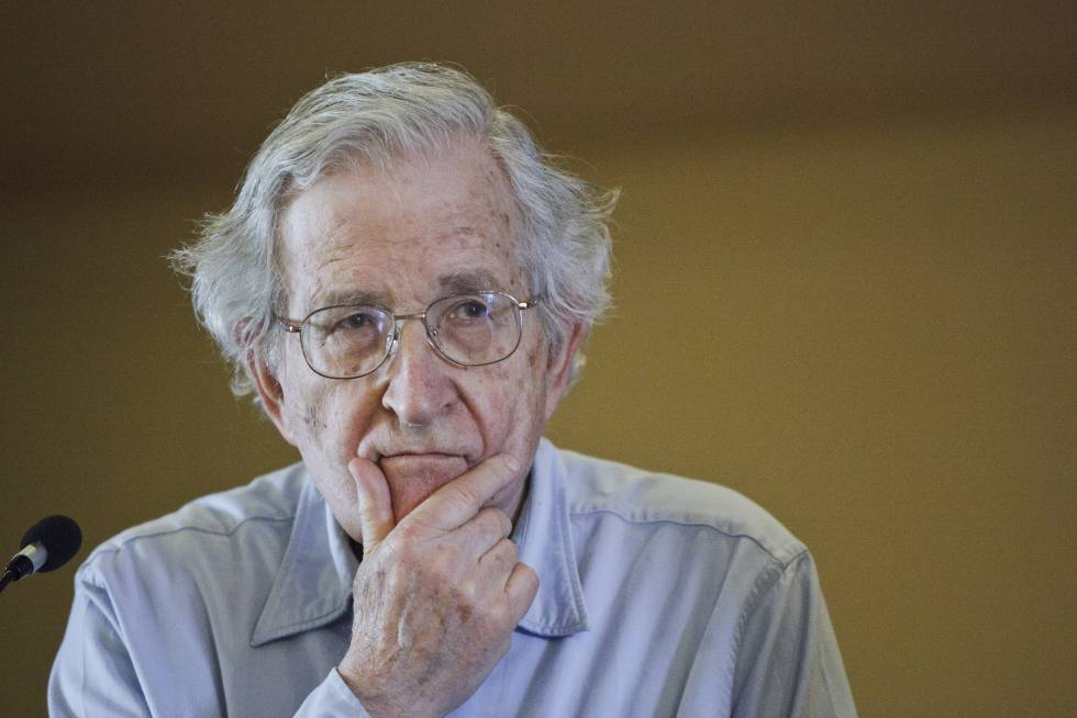 Noam Chomsky, educador, lingüista y activista político.