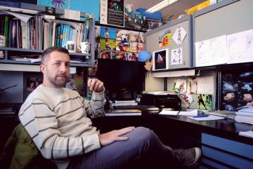 Agustin Schiariti, en su oficina de INIDEP.